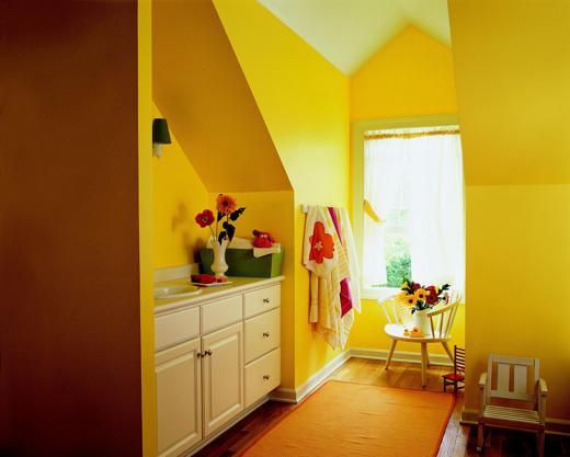 Yellow_bathroom1