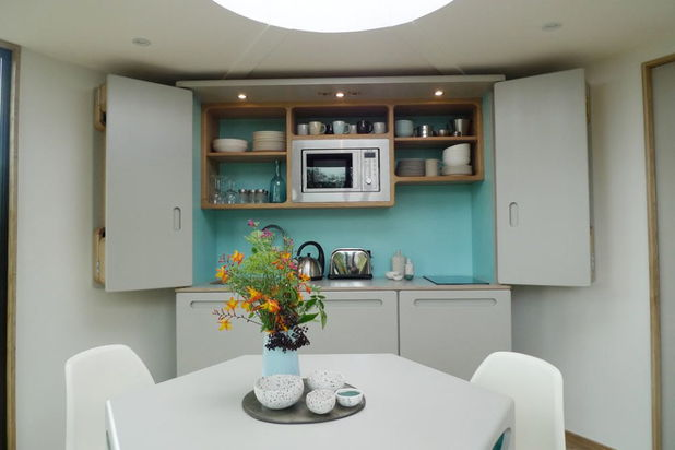 06hivehaus-kitchen2-via-smallhousebliss