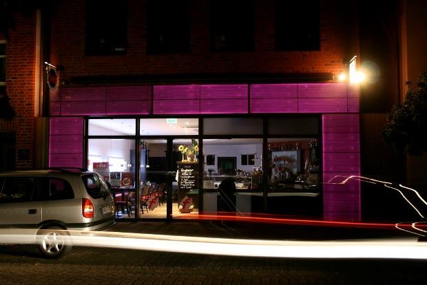 beton_translucid_fatada_restaurant_Germania