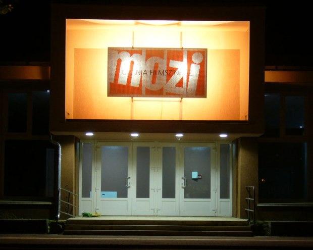 beton_translucid_logo_cinema_Ungaria2