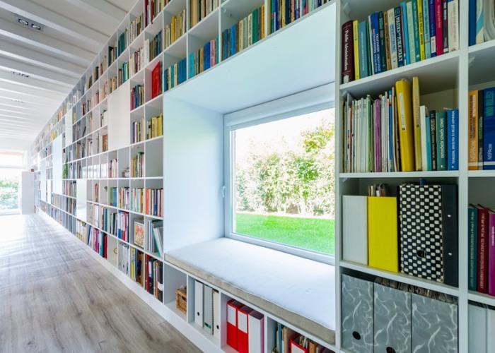 Casa_caramida_biblioteca_17_metri7