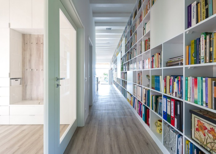 Casa_caramida_biblioteca_17_metri8
